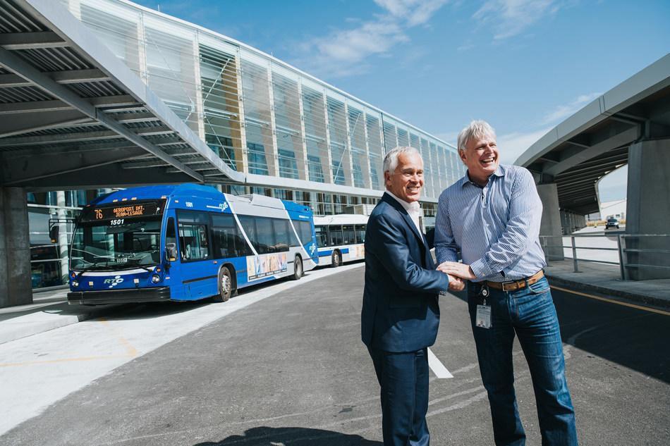 From left to right Stéphane Poirier, President and CEO, YQB  Alain Mercier, Executive director, RTC (CNW Group/Aéroport de Québec)