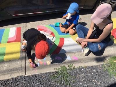 Plusieurs activités créatives ont été organisées sur le site éphémère du Bouquiniste. (Groupe CNW/Arrondissement de Montréal-Nord (Ville de Montréal))
