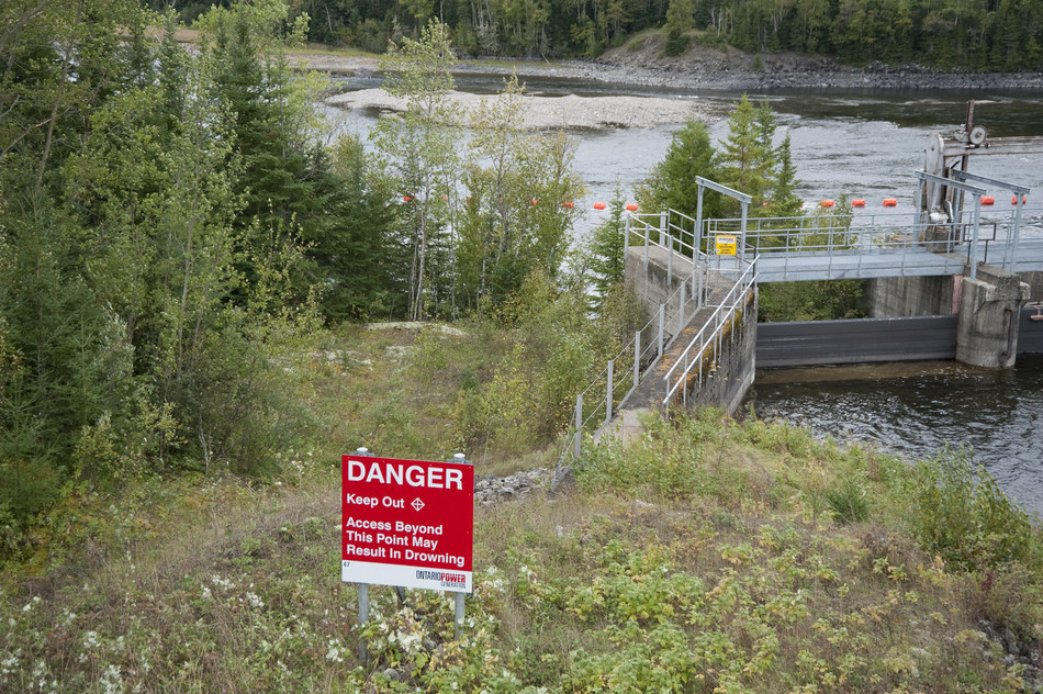 Alexander Generating Station –Stay Clear, Stay Safe (CNW Group/Ontario Power Generation Inc.)