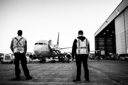 Envolez-vous à bord d'un Boeing 737-200 pour assister à la journée portes ouvertes chez Nolinor Aviation à Mirabel, le 7 septembre prochain, de 10 h à 15 h. (Groupe CNW/Nolinor Aviation)