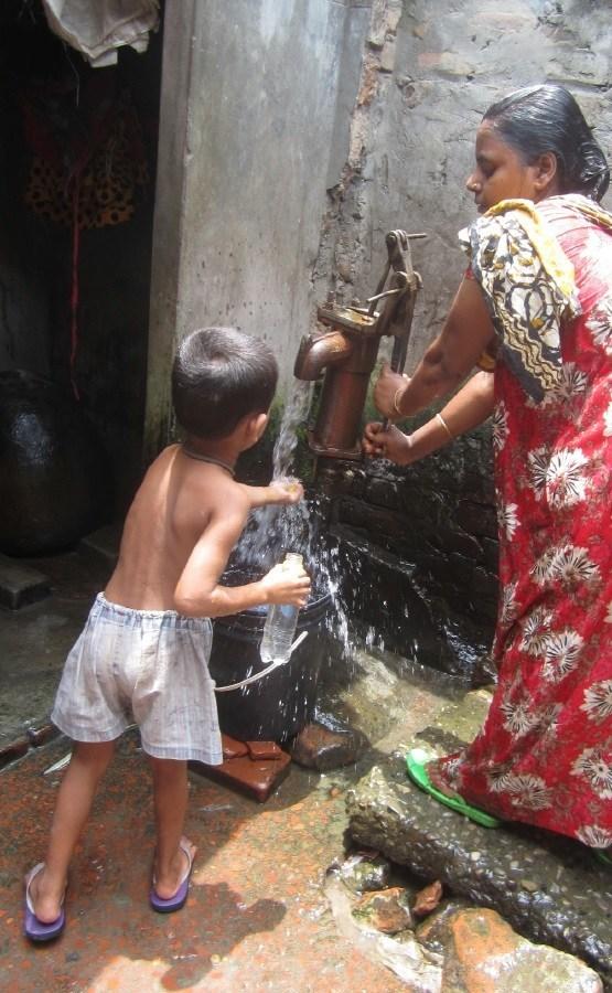 Aquatabs Flo, water disinfection at point of collection. Photo credit: Yoshika Crider (PRNewsfoto/Aquatabs)