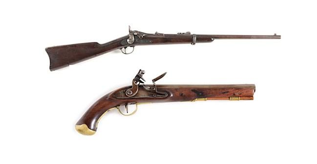 Top: Fine early Custer 7th Cavalry Range US Model 1873 Springfield trapdoor carbine, manufactured December 1874. Estimate $5,000-$8,000. Bottom: Very rare Joseph Henry contract single-shot US secondary martial flintlock pistol, 1807-1808. Ex Robert Sadler Collection. Estimate $3,000-$5,000