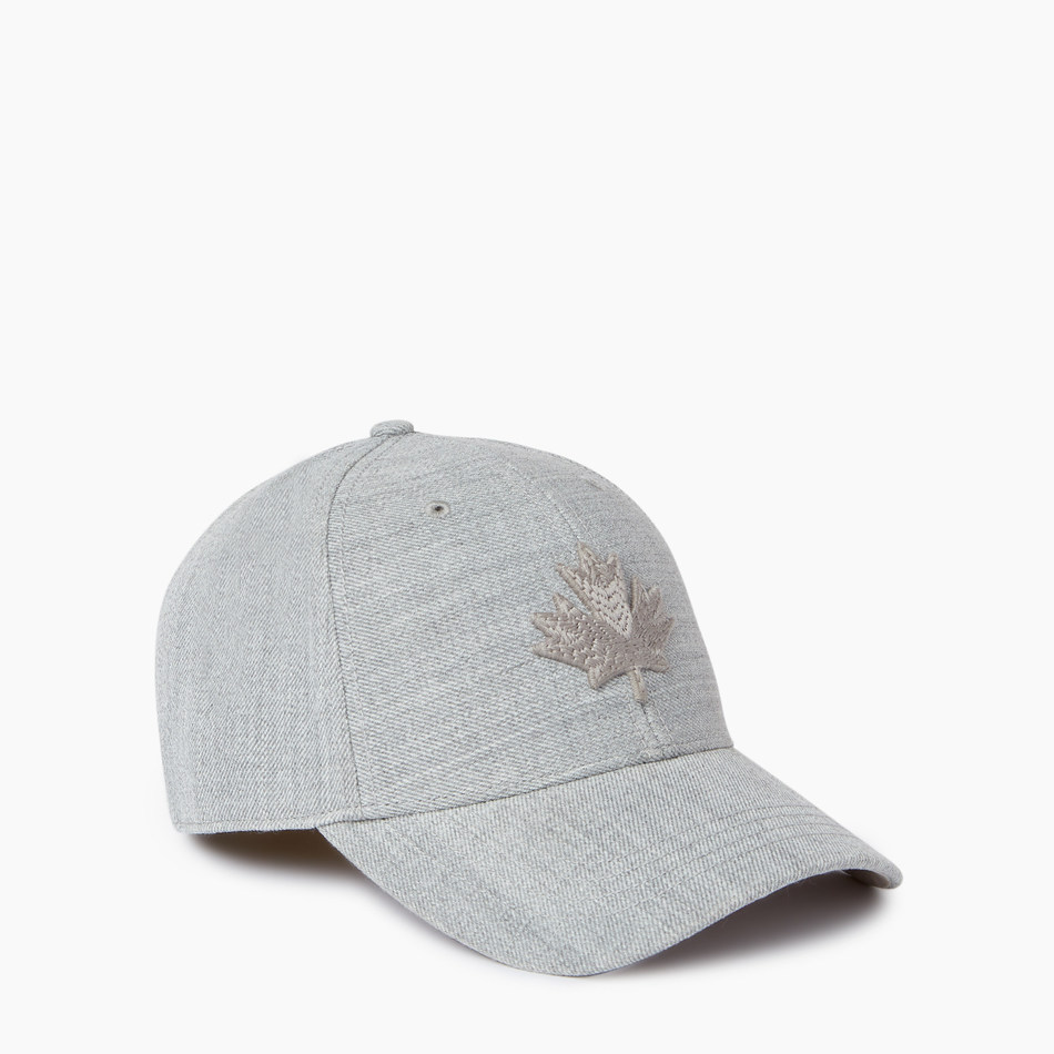 Roots Shawn Mendes Foundation baseball cap available at all Roots locations and roots.com (CNW Group/Roots Corporation)