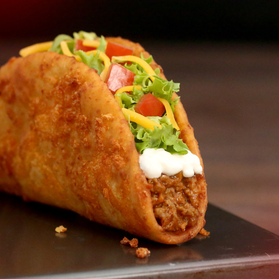 Toasted Cheesy Chalupa (CNW Group/Taco Bell Canada)