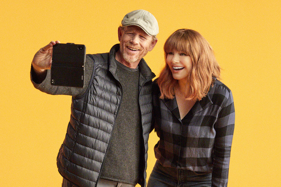 Ron and Bryce Dallas Howard (CNW Group/Dove Men+Care)