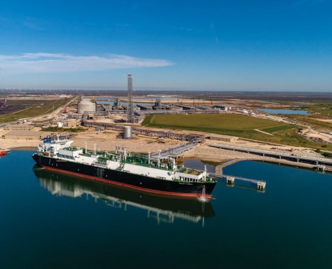 Cheniere Energy takes delivery from Bechtel of the Train 2 at the Corpus Christi Liquefaction (CCL) project in Texas. Cheniere is now operating seven Bechtel-built LNG trains at higher capacity than the nameplate rating on the U.S. Gulf Coast to deliver energy to their customers around the world. Bechtel-delivered facilities produce roughly one-third of the global LNG capacity, supplying about 66 million tonnes of LNG each year, or enough energy to power more than 85 million homes.
