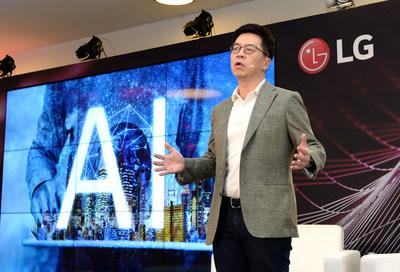 LG Electronics CTO Dr. I.P Park speaking at LG Future Talk
