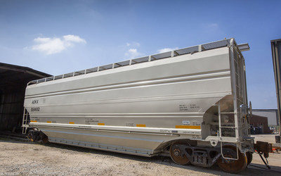 5,185 cf covered hopper railcar