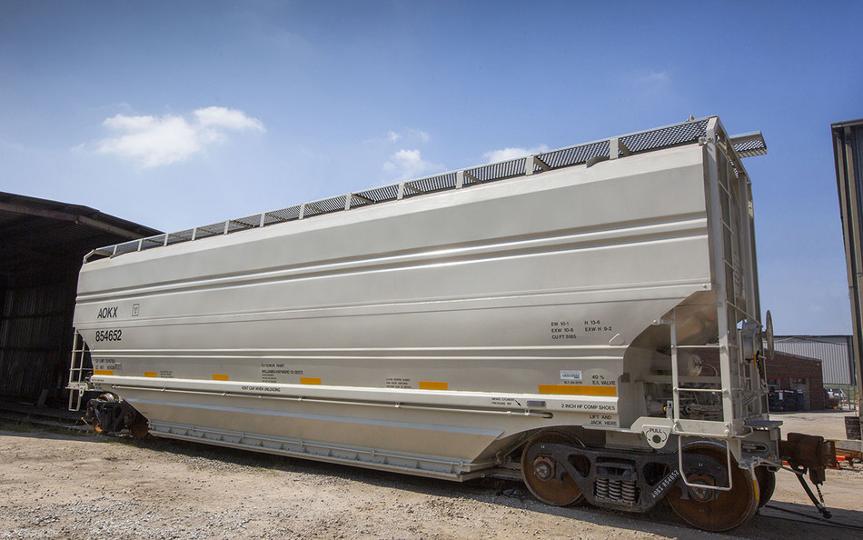 5,185 cf covered hopper railcar
