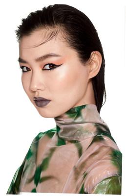 Estelle Chen, garota-propaganda global da Maybelline New York