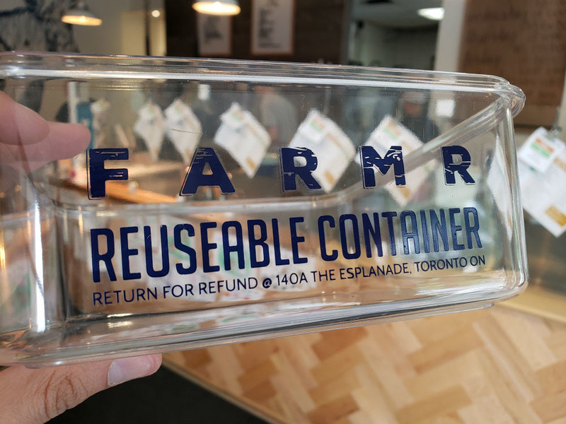 The Farm'r reusable takeout container. Return for a refund. (CNW Group/Farm'r Eatery & Catering)