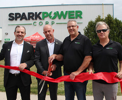 Ribbon Cutting Ceremony at Spark Power-London (Left to right: Jason Sparaga, Co-Founder & Co-CEO, Morgan Cowl, EVP Operations, Brian Kuchma, London Hub Branch Manager, and Andrew Clark, Co-Founder & Co-CEO). (CNW Group/Spark Power Group Inc.)