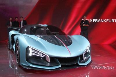 Hongqi présente de nouveaux modèles de voiture lors du Salon de l'automobile de Francfort (IAA). (PRNewsfoto/Xinhua Silk Road Information Se)