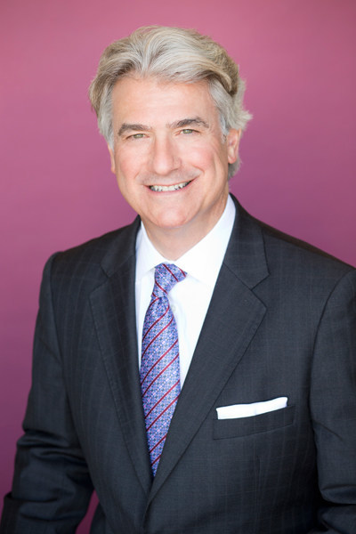 John Peloza, MD of The Center for Spine Care in Dallas, Texas an early adopter of the minimally invasive surgery (MIS) treatment philosophy, has spent decades on the forefront of the evolving field pursuing one mission: providing safe, predictable treatments to his patients.