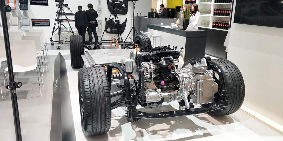HYCET's nine dual-clutch transmission (9DCT) at Frankfurt Motor Show 2019