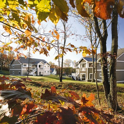 Extra Holidays Offers More Room for Fall Foliage Family Fun