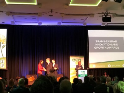 Kazia CEO, Dr James Garner accepting his ANZLF Award from New Zealand Prime Minister, Jacinda Ardern
