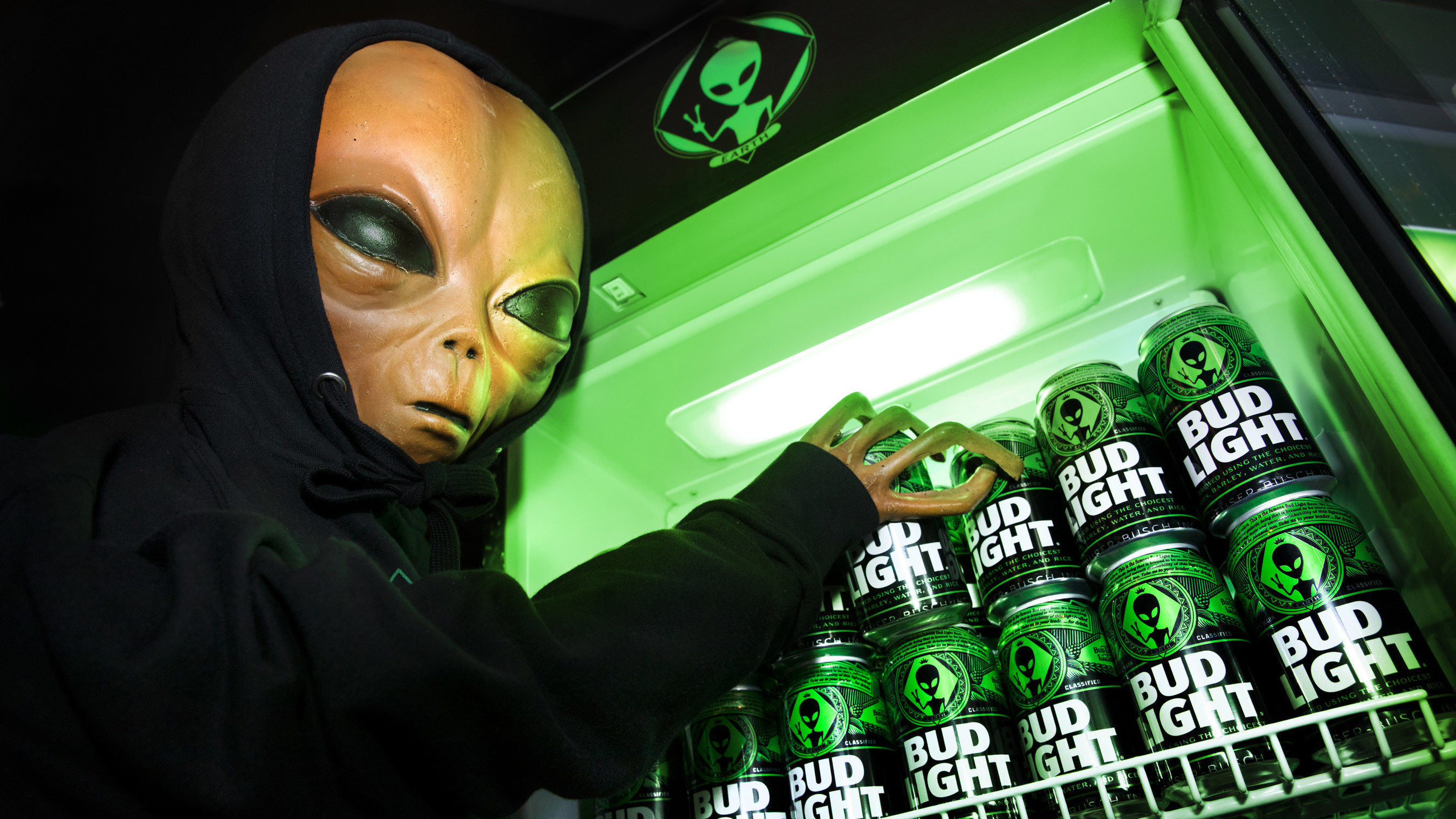 Bud Light Produces Special Edition Alien-Themed Cans