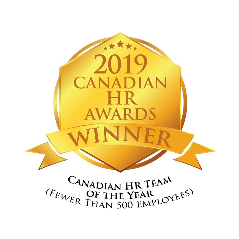 CARFAX Canada wins the award for Canadian HR Team of the Year (fewer than 500 employees). (CNW Group/CARFAX Canada ULC)