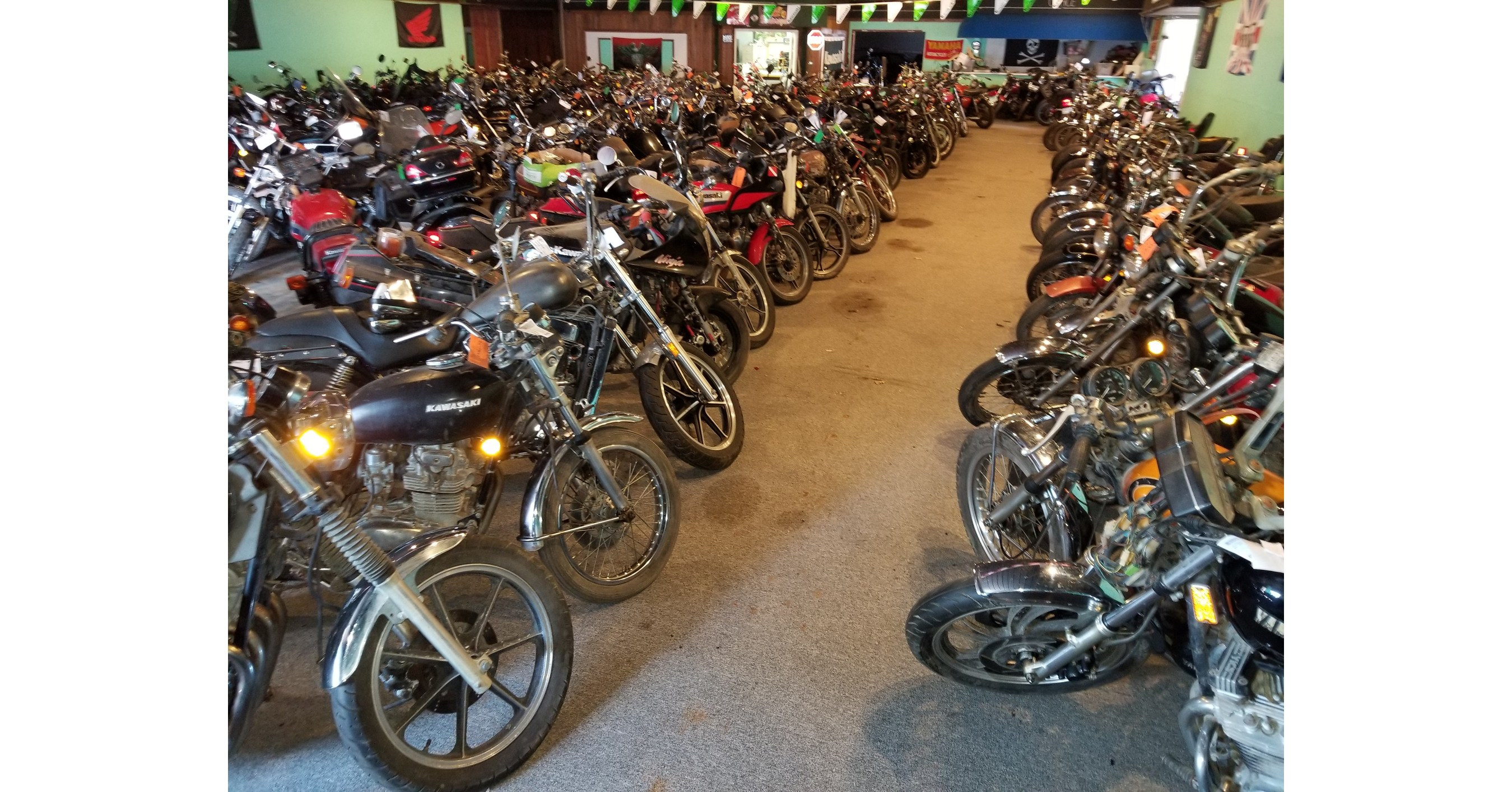 25 Year Collection Of 500 Motorcycles To Be Sold At Auction