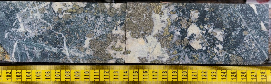 Multiple phases of pyrite with chalcopyrite mineralization. Image starting at 107.00m in NWDDH19-012; the second diamond drill hole at the NW Zone in 2019. Note mineralization is visually high-grade and not representative of the entire hole. (CNW Group/Crystal Lake Mining Corporation)