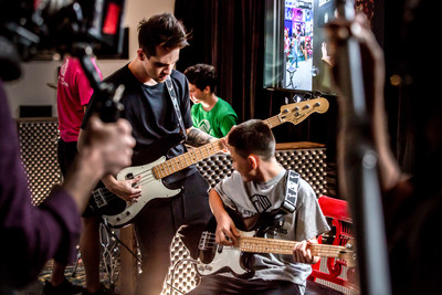 Fender Play Foundation Artist Ambassador Brendon Urie of Panic! At The Disco inspires music students from FPF partner organization Notes For Notes.