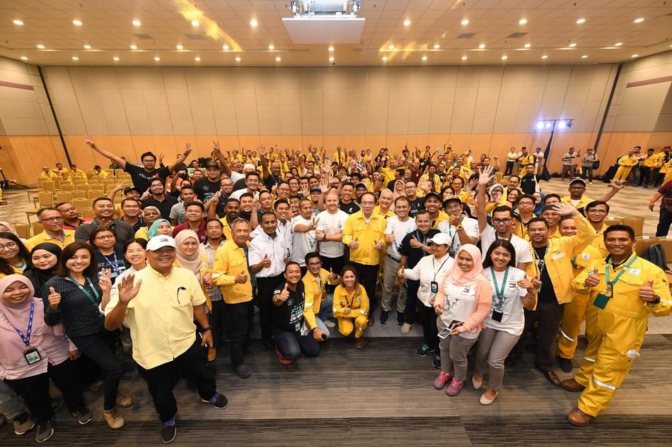 Valtteri with employees :  'Mercedes-AMG PETRONAS Motorsport driver Valtteri Bottas meets PETRONAS employees in Pengerang Integrated Complex in Johor, Malaysia.'
