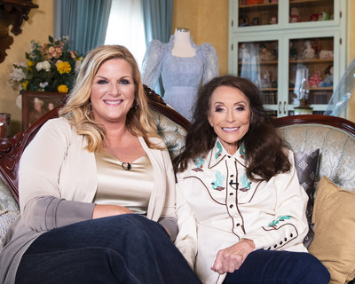 "To honor the legendary Loretta Lynn for blazing a trail for women in country music, Cracker Barrel Old Country Store named the icon its 2019 Cracker Barrel Country Legend Award recipient. The award was presented to Loretta by Cracker Barrel's ""Five Decades, One Voice"" partner artist Trisha Yearwood at Lynn's beloved ranch in Hurricane Mills, Tenn."