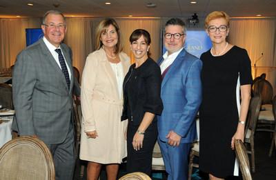 De gauche à droite :  Richard Cacchione, administrateur de sociétés et membre du conseil d'administration de la Fondation de l'Institut de tourisme et d'hôtellerie du Québec (ITHQ); l'honorable Liza Frulla, C.P., C.M., O.Q., directrice générale de l'ITHQ; Rosie Caputo, vice-présidente régionale de RBC Banque privée - Québec; Paolo Di Pietrantonio, associé senior chez Horwath HTL - Canada et président du conseil d'administration de l'ITHQ;  Paloma Fernandez, directrice générale de la Fondation de l'ITHQ (Groupe CNW/Fondation de l'ITHQ)