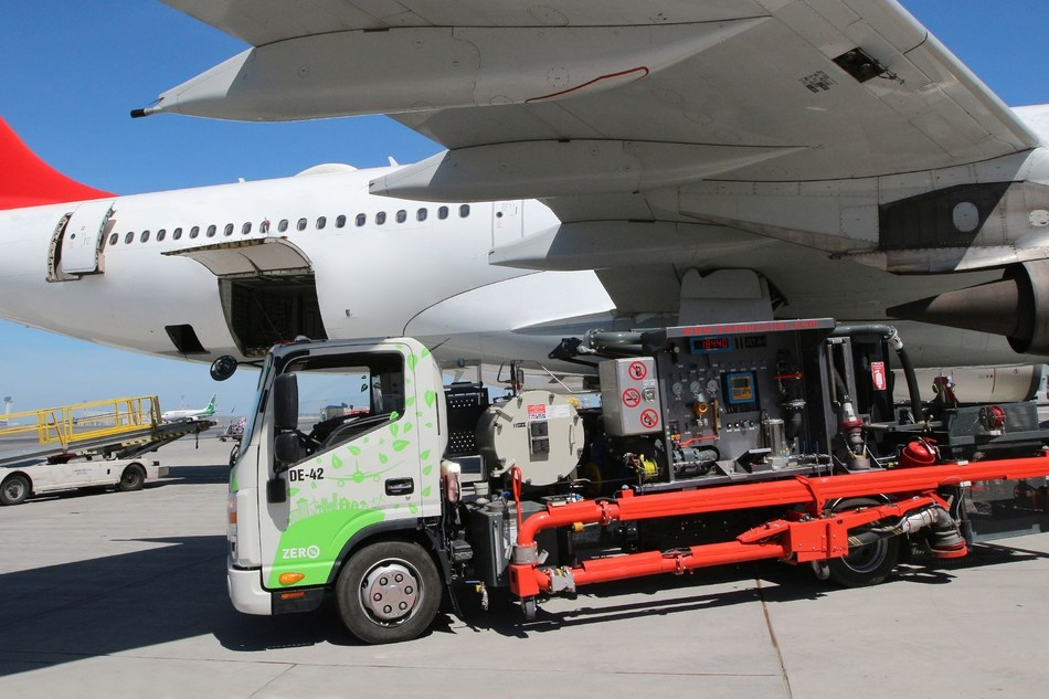Getac F110 rugged tablet powers İGA Airport Fuel Services' state-of-the-art automated aircraft refuelling system at Istanbul Airport, the world's largest airport.